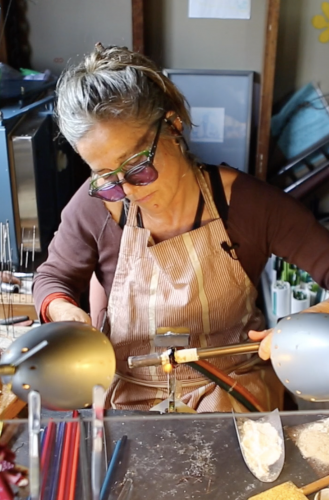 making glass emubeads in the flame